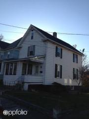 12 West St, Westover, WV 26501