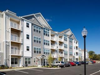 1000 Avalon Way, Bloomingdale, NJ 07403