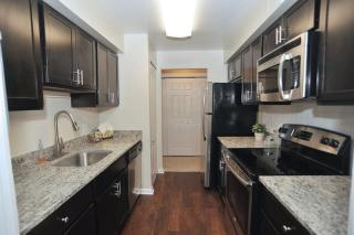1 Harness Ct, Pikesville, MD 21208