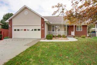 406 North Walnut Creek Drive, Derby KS