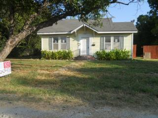 507 E Bowie Ave, Kirk, TX 76664