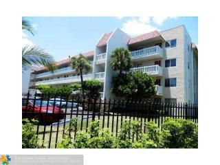 3541 Inverrary Drive 106, Lauderhill FL