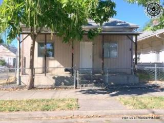 328 SE Lane Ave, Roseburg, OR 97470