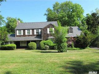 15 Meadow Woods Road, Great Neck NY
