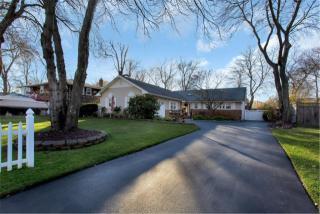 192 Bellevue Road, Oakdale NY