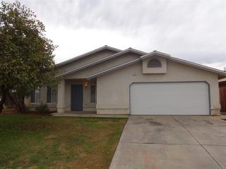 575 Mark Ave, Shafter, CA 93263
