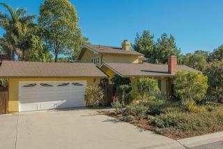 2112 Cliff Dr, Santa Barbara, CA 93109