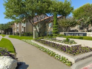 2501 Oak Hill Cir, Fort Worth, TX 76109