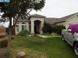 118 N Stokes St, Visalia, CA 93291