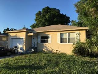 902 W 2nd St, Riviera Beach, FL 33404