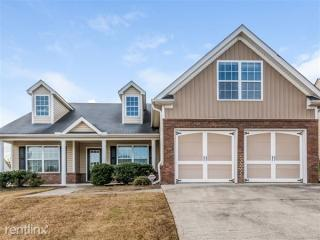 214 Overlook Dr, Dallas, GA 30157