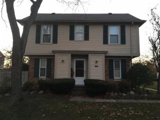2926 Whittier Ct #13, Ann Arbor, MI 48104