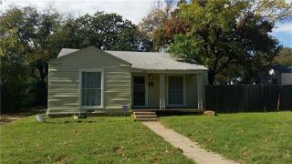 2009 Owens St, Haltom City, TX 76117