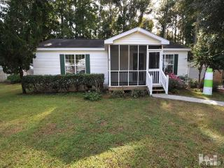 818 Red Lighthouse Ln, Wilmington, NC 28412