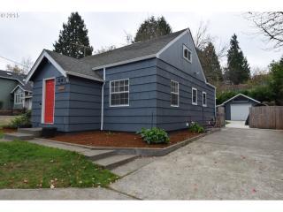 3634 SW Logan St, Portland, OR 97219