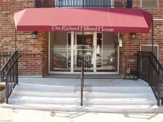 15555 Hilliard Rd #301A, Lakewood, OH 44107