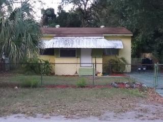 1418 E Frierson Ave, Tampa, FL 33603