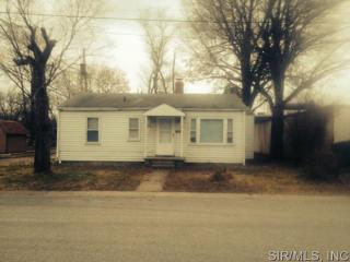616 Hawthorne Ave, Wood River, IL 62095