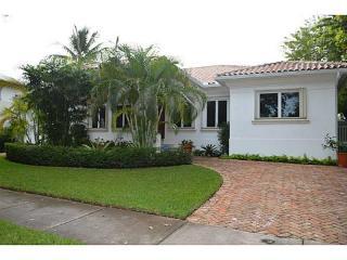 340 Woodcrest Rd, Key Biscayne, FL 33149