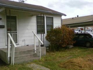 910 E Doddridge Ave, Kingsville, TX 78363