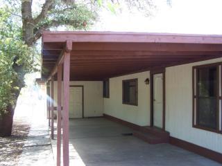 945 W American Ave, Oracle, AZ 85623