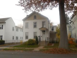649 Seminary Ave #1, Rahway, NJ 07065