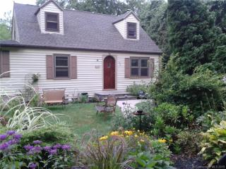 303 Porter Avenue, Middlebury CT