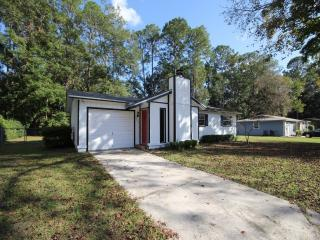 4925 NW 28th Ter, Gainesville, FL 32605