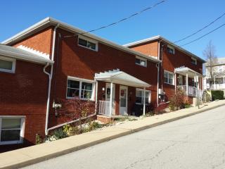 906 Spruce St, Irwin, PA 15642