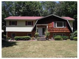 26 Sterling Rd, Chestnut Ridge, NY 10977