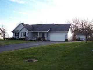 1493 Circle Dr, Millbury, OH 43447