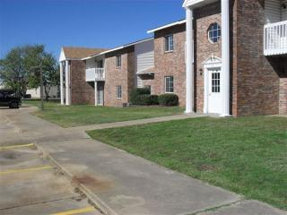 509 W Rutherford St, Mount Vernon, TX 75457