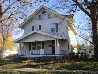 105 S Maple St, Fairfield, IA 52556