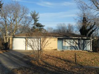 208 Lakeview St #A, Milford, KS 66514