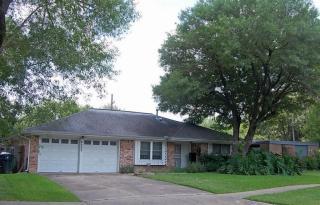 8203 Braes River Dr, Houston, TX 77074