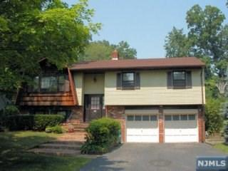 423 Lincoln Ave, Wyckoff, NJ 07481