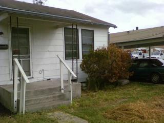 908 E Doddridge Ave, Kingsville, TX 78363