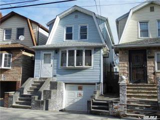 8933 89th St, Queens, NY 11421