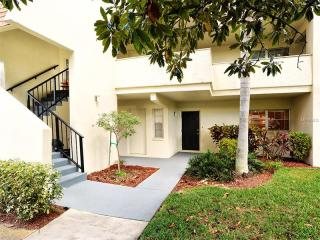 7173 West Country Club Drive #143, Sarasota FL