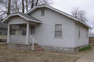 818 W 14th Ave, Hutchinson, KS 67501