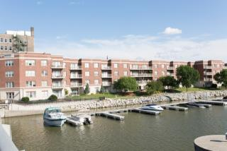 118 S Washington St #306B, Green Bay, WI 54301