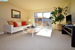 1333 Webster St #A304, Alameda, CA 94501