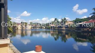 8297 Balgowan Rd, Miami Lakes, FL 33016
