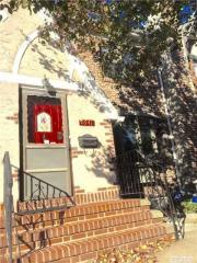 8541 68th Ave, Queens, NY 11374