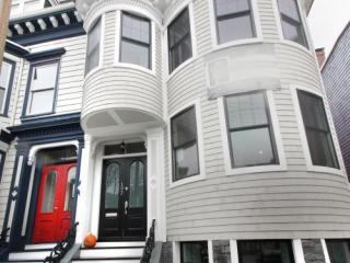 192 Dorchester St, Boston, MA 02127