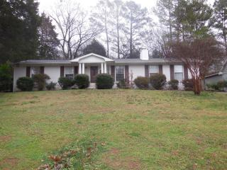 713 Cleermont Dr SE, Huntsville, AL 35801