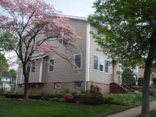 537 Oritani Place, Teaneck NJ