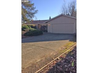 4530 NW Salishan Dr, Portland, OR 97229