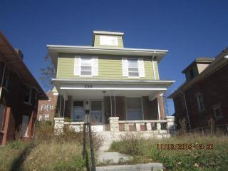 220 W 34th St, Kansas City, MO 64111