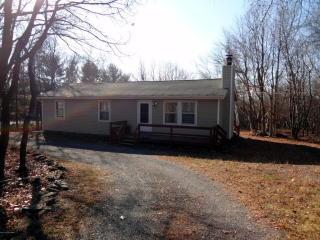 107 Elmwood Dr, Albrightsville, PA 18210